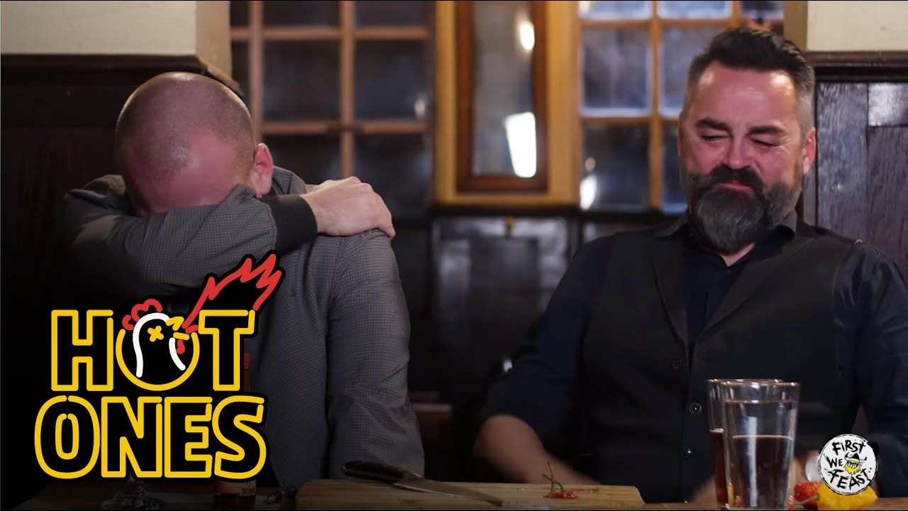 sean evans and chili klaus eatign spicy chilli